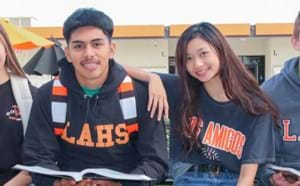 students from Los